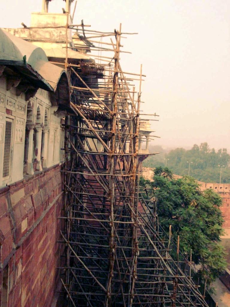 Korjausrakentamista Delhissä